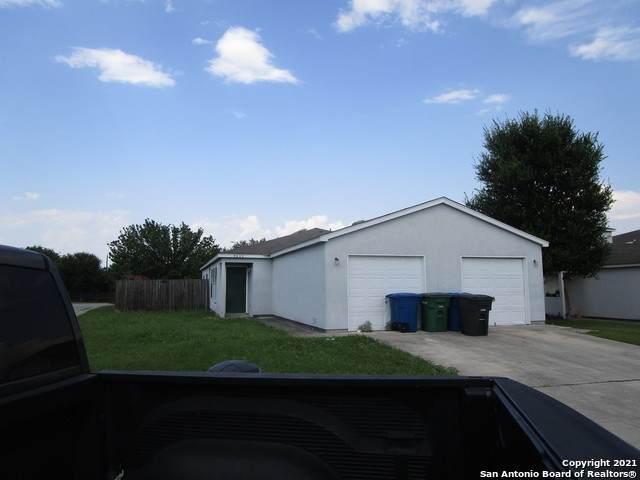 3835 Maverick Crk, San Antonio, TX 78247 (MLS #1539007) :: Real Estate by Design