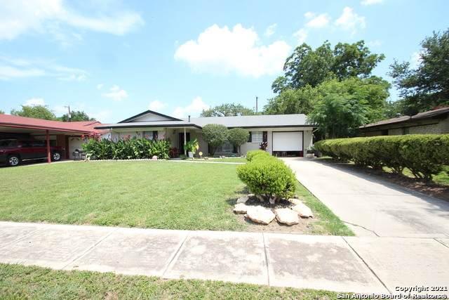 3338 Willowwood Blvd, San Antonio, TX 78219 (#1539055) :: The Perry Henderson Group at Berkshire Hathaway Texas Realty