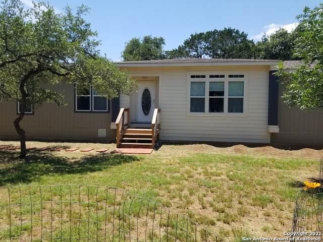 357 Northlake Dr, Lakehills, TX 78063 (MLS #1539241) :: Sheri Bailey Realtor