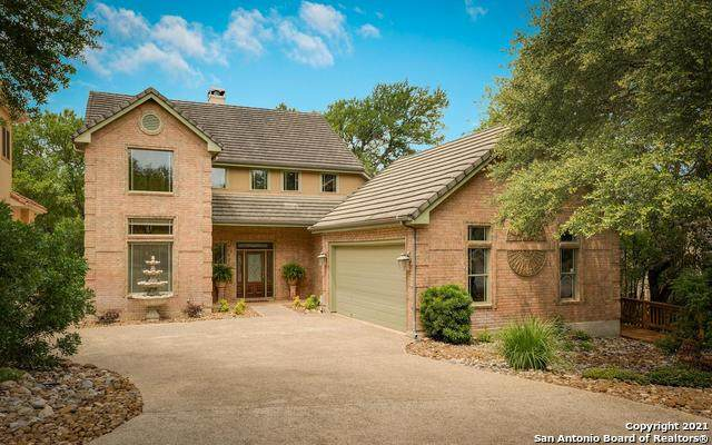 27 Falls Terrace, Fair Oaks Ranch, TX 78015 (#1539244) :: The Perry Henderson Group at Berkshire Hathaway Texas Realty