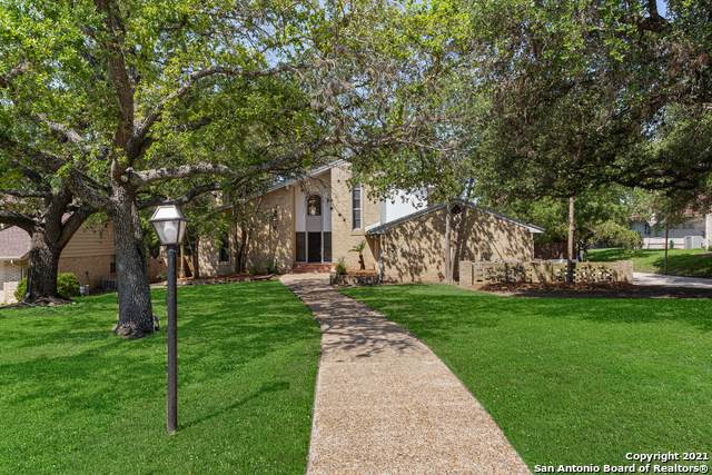 113 Towne Vue Dr, Castle Hills, TX 78213 (#1539249) :: The Perry Henderson Group at Berkshire Hathaway Texas Realty