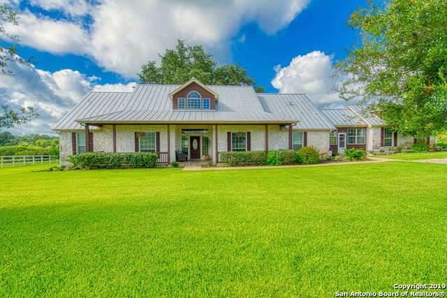 203 Broken Arrow, Floresville, TX 78114 (MLS #1539250) :: Sheri Bailey Realtor