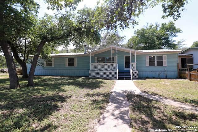 9507 Fm 1117, Seguin, TX 78155 (MLS #1539276) :: The Rise Property Group