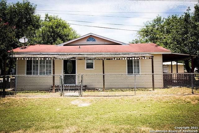 116 N Matlock St, Poth, TX 78147 (MLS #1539305) :: Sheri Bailey Realtor