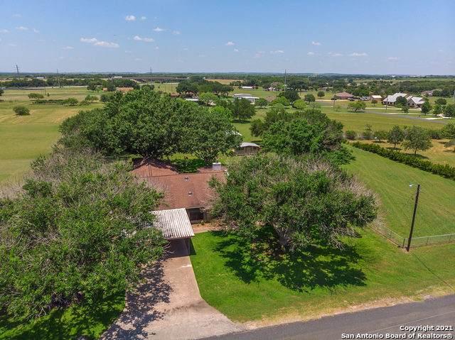214 Sunbelt Loop S, Seguin, TX 78155 (MLS #1539319) :: The Rise Property Group
