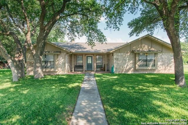 169 Cottonwood, Uvalde, TX 78801 (MLS #1539332) :: Beth Ann Falcon Real Estate