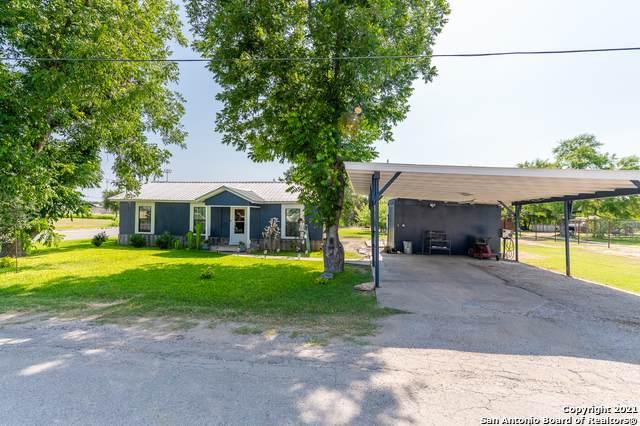 102 Tucker St, Uvalde, TX 78801 (MLS #1539483) :: The Rise Property Group