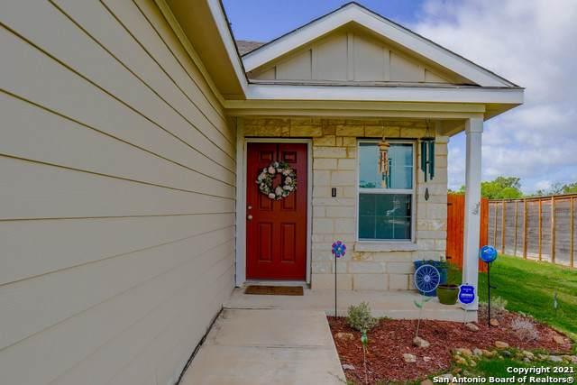 9824 Marbach Hill, San Antonio, TX 78245 (MLS #1539490) :: Bexar Team