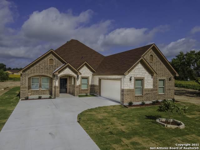 7115 Palo Alto Dr, Von Ormy, TX 78073 (MLS #1539648) :: Beth Ann Falcon Real Estate