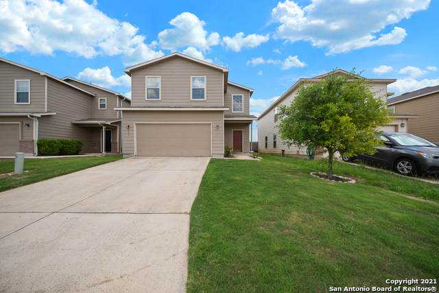 9118 Silver Vista, San Antonio, TX 78254 (MLS #1539656) :: Beth Ann Falcon Real Estate