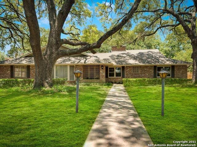 105 Cobblestone, San Antonio, TX 78213 (MLS #1539759) :: Beth Ann Falcon Real Estate