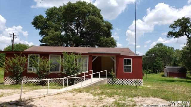 107 Flores Oaks Dr, Floresville, TX 78114 (MLS #1539761) :: Sheri Bailey Realtor