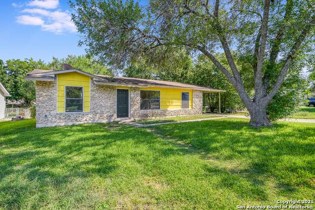 816 Straight Ln, Universal City, TX 78148 (MLS #1539762) :: The Mullen Group | RE/MAX Access