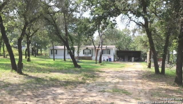 290 Hickory Run, La Vernia, TX 78121 (MLS #1539769) :: Neal & Neal Team