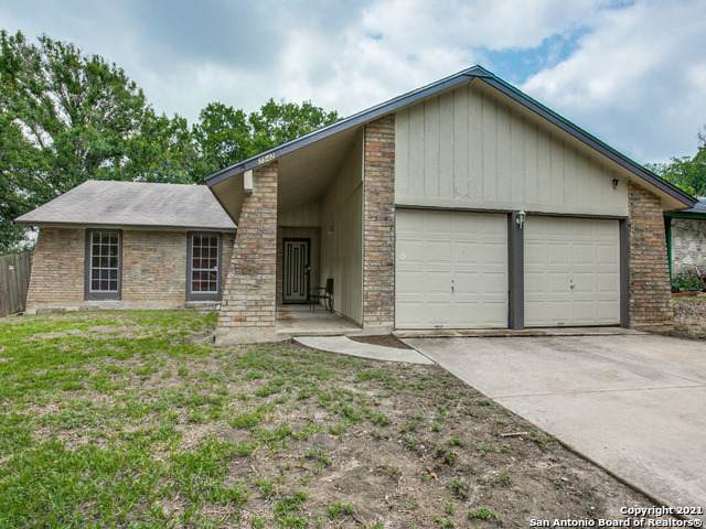 7542 Leafy Hollow Ct, Live Oak, TX 78233 (MLS #1539783) :: The Heyl Group at Keller Williams