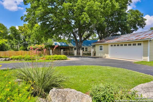 131 Oak Acres Ln, Boerne, TX 78006 (MLS #1539798) :: Beth Ann Falcon Real Estate