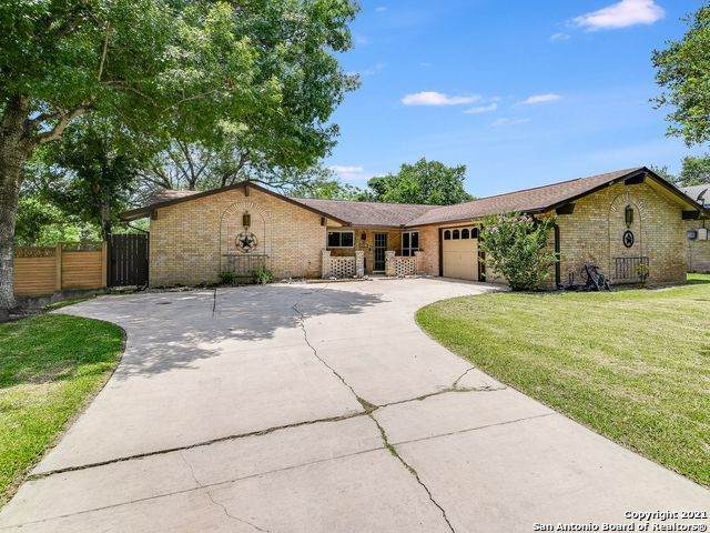 302 Madrid Dr, Universal City, TX 78148 (MLS #1539802) :: The Mullen Group | RE/MAX Access