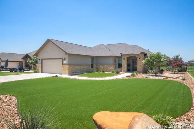 133 Fairway Dr, Floresville, TX 78114 (MLS #1539874) :: The Castillo Group
