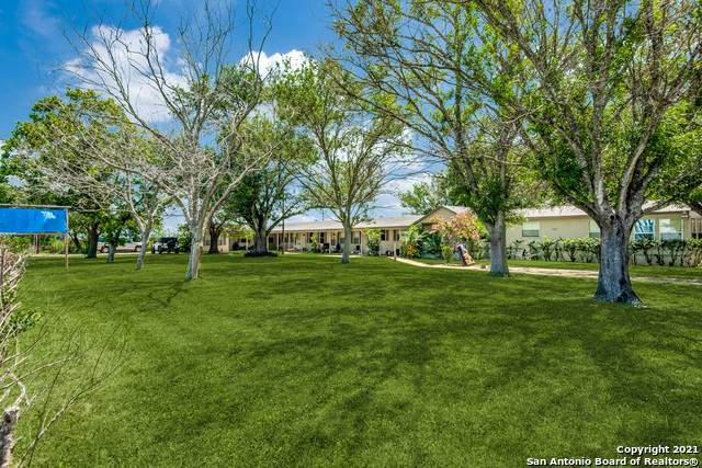 6911 N Us 281, Pleasanton, TX 78064 (MLS #1539877) :: Exquisite Properties, LLC