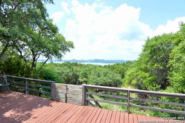684 Mount Lookout Dr, Canyon Lake, TX 78133 (MLS #1540080) :: Neal & Neal Team