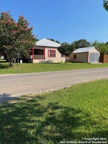502 8th St, Bandera, TX 78003 (MLS #1540100) :: The Castillo Group