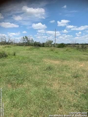 1545 County Road 323, Jourdanton, TX 78026 (MLS #1540201) :: Exquisite Properties, LLC