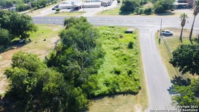32 Bushy Creek Rd, Crystal City, TX 78839 (MLS #1540202) :: The Lopez Group