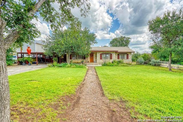 806 Evergreen, Comfort, TX 78013 (MLS #1540247) :: Bexar Team