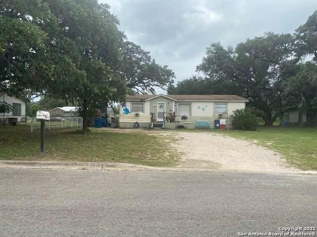 907 Market St, Pleasanton, TX 78064 (MLS #1540329) :: Exquisite Properties, LLC