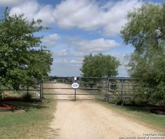 879 Smith Falor Rd, Seguin, TX 78155 (MLS #1540342) :: Bexar Team