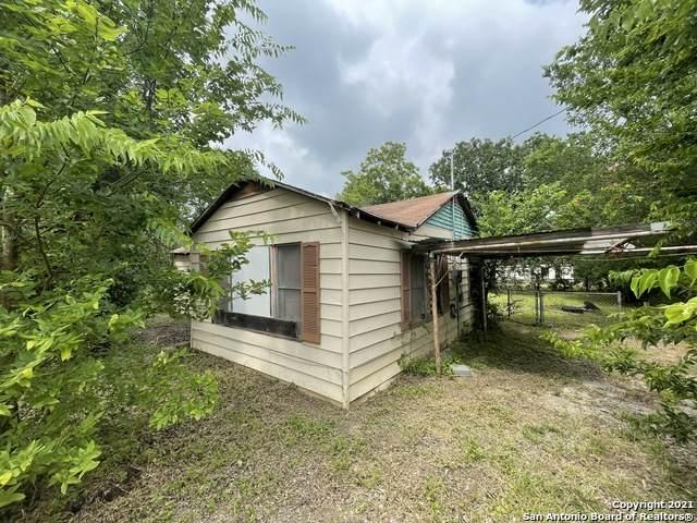 4028 Violet St, Seguin, TX 78155 (MLS #1540402) :: ForSaleSanAntonioHomes.com