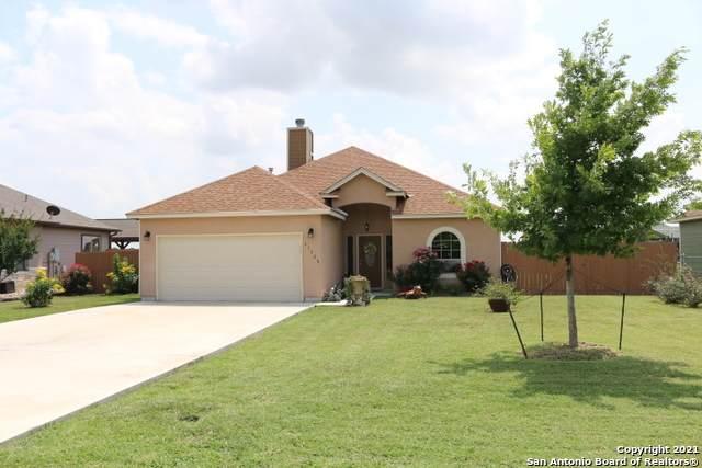 11669 Flores, LaCoste, TX 78039 (MLS #1540441) :: Carter Fine Homes - Keller Williams Heritage