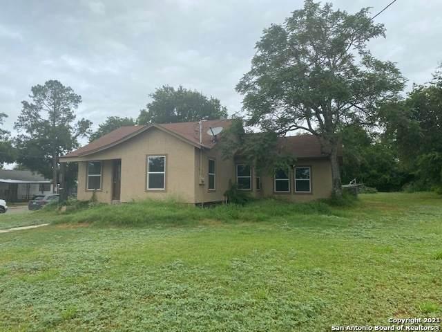 602 Avenue E, Poteet, TX 78065 (MLS #1540483) :: Exquisite Properties, LLC