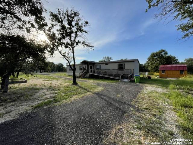 636 Peach Tree Ave, Poteet, TX 78065 (MLS #1540673) :: The Lopez Group