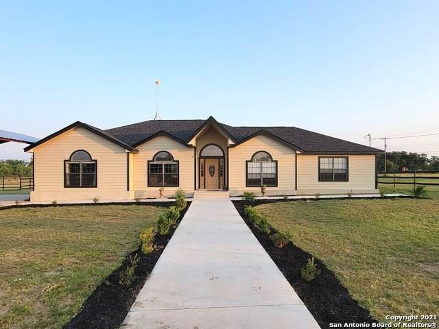 30 Long Meadow Dr, Lytle, TX 78052 (MLS #1540675) :: Countdown Realty Team