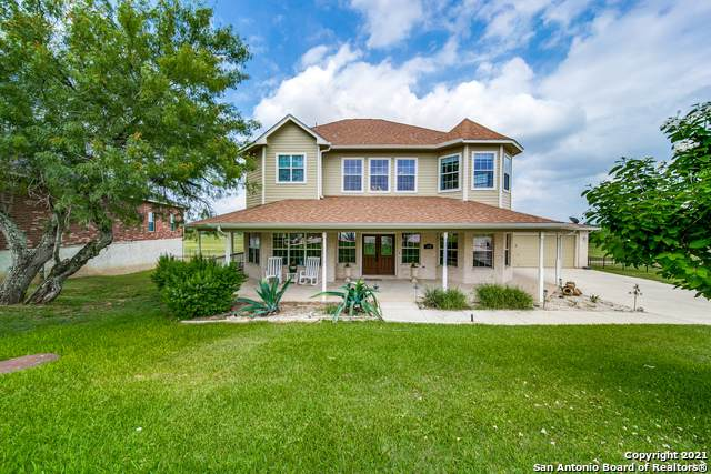 132 Grand View, Floresville, TX 78114 (MLS #1540779) :: The Real Estate Jesus Team