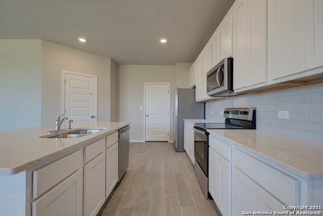 810 Hickory Trail, San Antonio, TX 78245 (MLS #1540836) :: The Glover Homes & Land Group