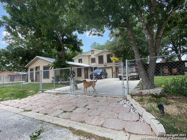 523 Dallas, Pleasanton, TX 78064 (MLS #1541090) :: Exquisite Properties, LLC