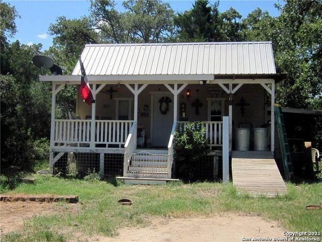 1560 Longhorn Rd, Harwood, TX 78632 (MLS #1541102) :: 2Halls Property Team   Berkshire Hathaway HomeServices PenFed Realty