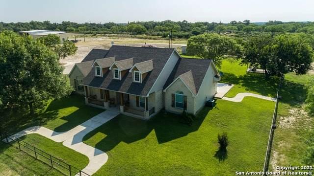 132 County Road 7866, Devine, TX 78016 (MLS #1541235) :: EXP Realty