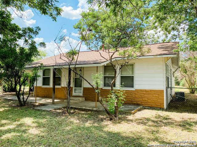 219 Elaine Rd, San Antonio, TX 78222 (MLS #1541280) :: Beth Ann Falcon Real Estate