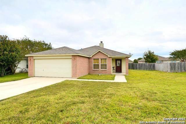 2043 Dragon Trail, New Braunfels, TX 78130 (#1541484) :: Zina & Co. Real Estate