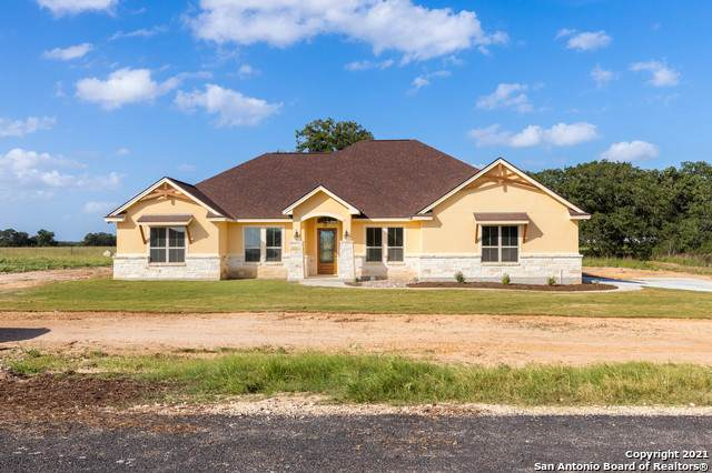 127 Clarence Dr, Floresville, TX 78114 (MLS #1541737) :: REsource Realty