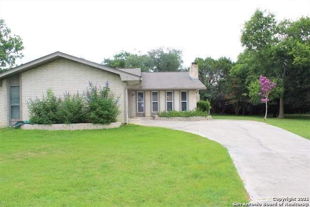 125 Secluded Oaks Ln, Kerrville, TX 78028 (#1541874) :: Zina & Co. Real Estate