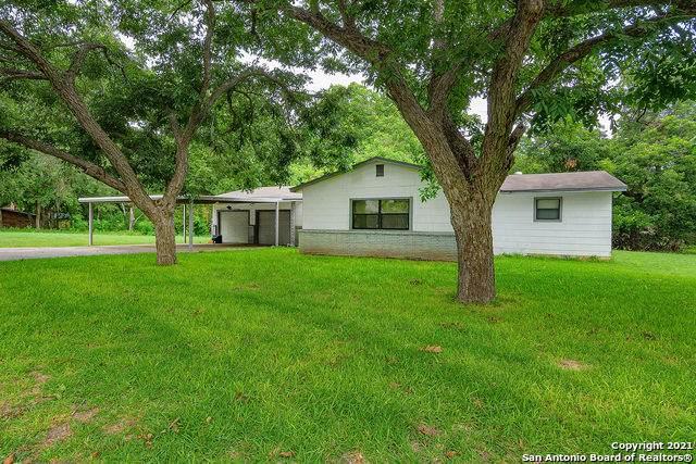 110 Chaparral Dr, Seguin, TX 78155 (MLS #1542040) :: Texas Premier Realty
