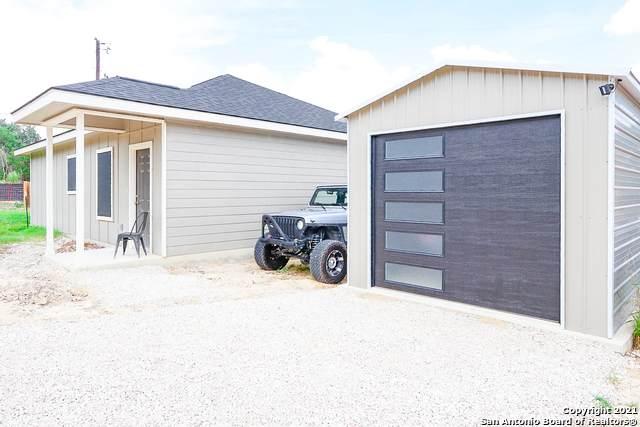 235 Cimarron, Spring Branch, TX 78070 (#1542059) :: Zina & Co. Real Estate