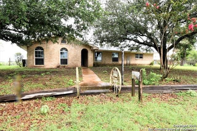 705 Us Highway 87 E, Stockdale, TX 78160 (MLS #1542338) :: The Real Estate Jesus Team
