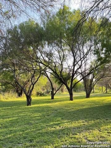 1872 Private Road 2310, Uvalde, TX 78801 (#1542423) :: Zina & Co. Real Estate