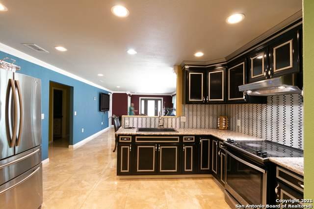 611 S San Dario Ave, San Antonio, TX 78237 (MLS #1542647) :: The Mullen Group | RE/MAX Access