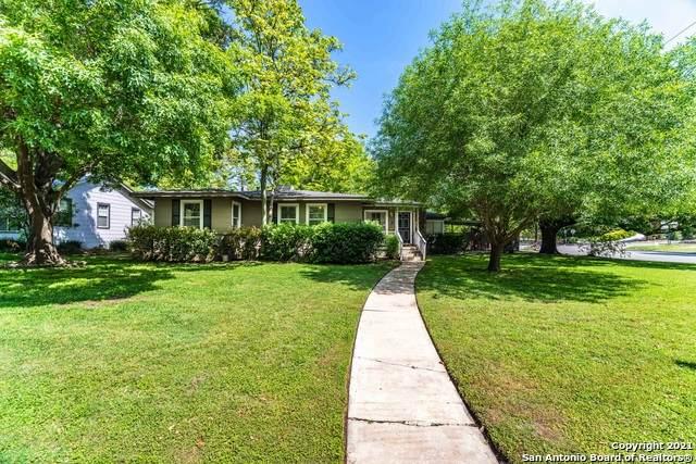 275 E Fair Oaks Pl, Alamo Heights, TX 78209 (#1542738) :: Zina & Co. Real Estate